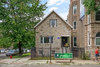 900 N. Damen Ave. 5 Beds Apartment for Rent Photo Gallery 1