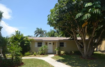 729 Ocean Inlet Dr 3 Beds House for Rent Photo Gallery 1