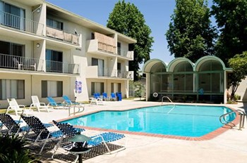 7010 Sepulveda Boulevard Studio-1 Bed Apartment for Rent Photo Gallery 1