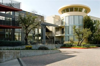 9555-9575 Reseda Blvd. Studio-3 Beds Apartment for Rent Photo Gallery 1