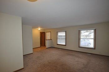17837 66th Ave 3 Beds House for Rent Photo Gallery 1