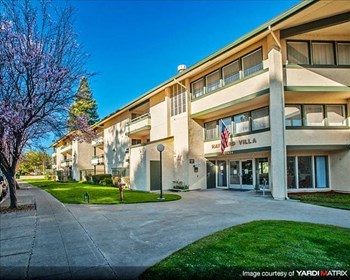 27424 Tampa Ave 1-2 Beds Apartment for Rent Photo Gallery 1