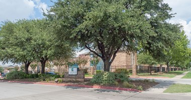 4500 Campus Dr 1-4 Beds Apartment for Rent Photo Gallery 1