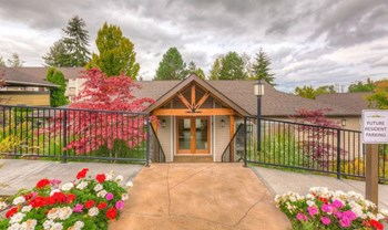 1300 Eagle Ridge Dr S 1-2 Beds Apartment for Rent Photo Gallery 1