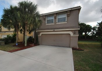 1218 Oakwater Drive 4 Beds House for Rent Photo Gallery 1