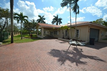 17550 Sw 178th Avenue 3 Beds House for Rent Photo Gallery 1