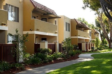 2050 McKee Rd Studio-2 Beds Apartment for Rent Photo Gallery 1