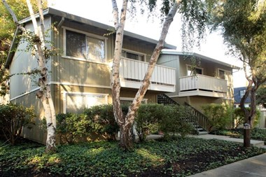 498 Boynton Ave. 1-2 Beds Apartment for Rent Photo Gallery 1
