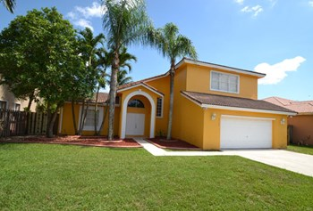 15740 Sw 148th Terrace 4 Beds House for Rent Photo Gallery 1