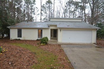 1200 Ridgeside Drive 3 Beds House for Rent Photo Gallery 1