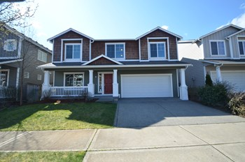 24203 185th Loop Se 5 Beds House for Rent Photo Gallery 1