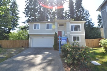 18726 18th Ave W Unit 3 4 Beds House for Rent Photo Gallery 1