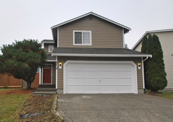 9218 S Thompson Ave 3 Beds House for Rent Photo Gallery 1