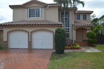 9229 SW 157th Court 4 Beds House for Rent Photo Gallery 1