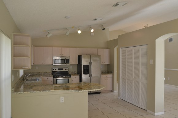830 Nw 166th Avenue Photo Gallery 4