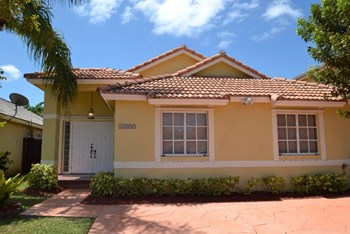 15332 Sw 53rd Lane 3 Beds House for Rent Photo Gallery 1