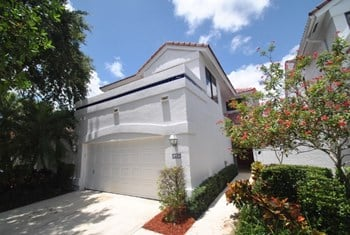 5467 Fox Hollow Drive 3 Beds House for Rent Photo Gallery 1