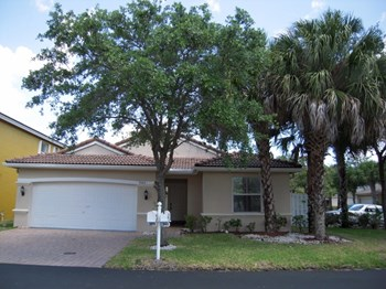 3565 Sw 50th Street 3 Beds House for Rent Photo Gallery 1