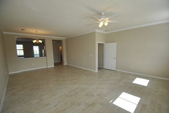 425 Greenwich Circle Unit 201 Photo Gallery 2