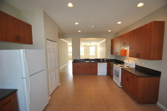 425 Greenwich Circle Unit 201 Photo Gallery 3
