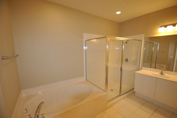 425 Greenwich Circle Unit 201 Photo Gallery 6