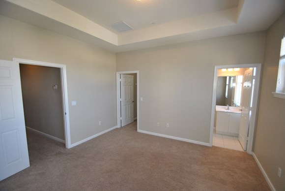 425 Greenwich Circle Unit 201 Photo Gallery 7