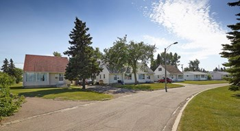 #116, 10305 - 152 Avenue 2-4 Beds House for Rent Photo Gallery 1
