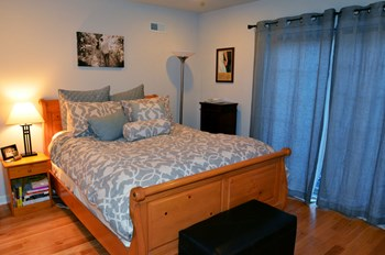 755 S. 20th Street 2-3 Beds Apartment for Rent Photo Gallery 1