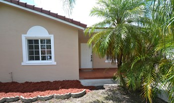 15288 Sw 179th Terrace 3 Beds House for Rent Photo Gallery 1