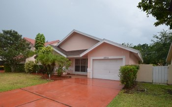 20710 Nw 5th Street 3 Beds House for Rent Photo Gallery 1