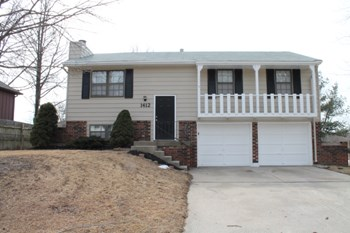1412 North Cloverdale Court 3 Beds House for Rent Photo Gallery 1