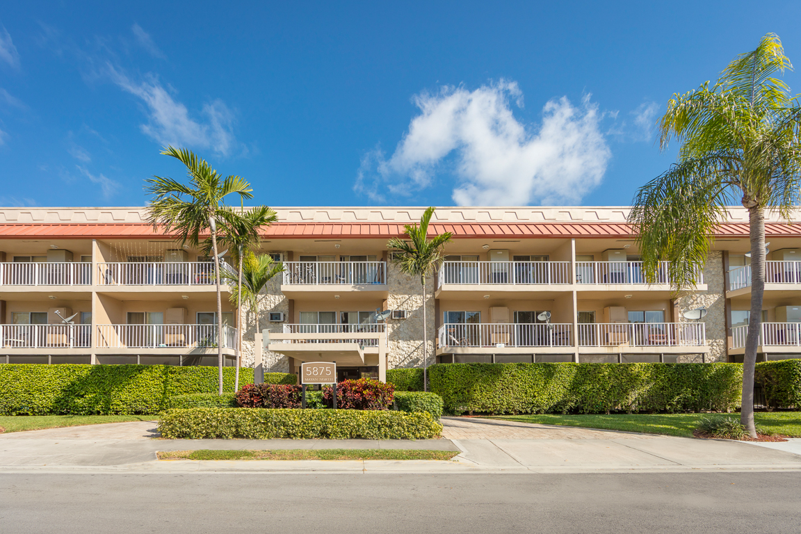 Zoom Gallery Legacy at South Miami property Image #8