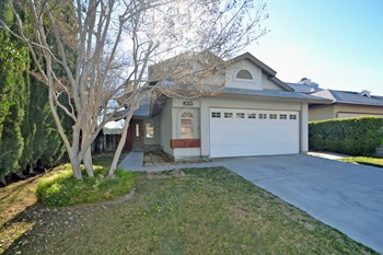 28540 Sugar Pine Way 3 Beds House for Rent Photo Gallery 1