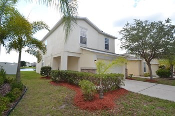 7817 Carriage Pointe Dr 4 Beds House for Rent Photo Gallery 1