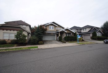 24927 161st Pl Se 4 Beds House for Rent Photo Gallery 1