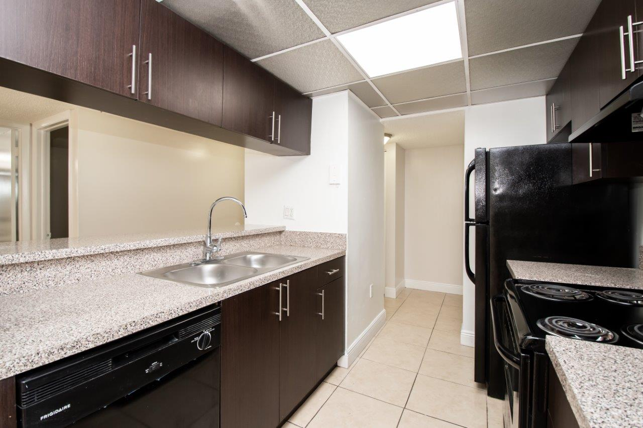 Zoom Gallery Legacy at Hialeah property Image #19