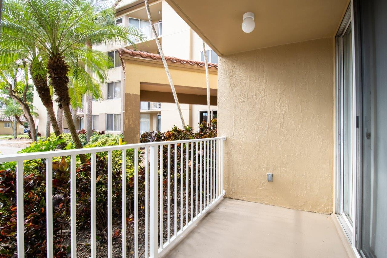 Zoom Gallery Legacy at Hialeah property Image #30