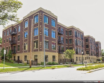 1815 University Ave 1-2 Beds Apartment for Rent Photo Gallery 1