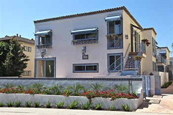 1237 Armacost Ave 2-3 Beds Apartment for Rent Photo Gallery 1