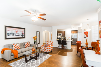 11401 N Riverside Drive 1-2 Beds Apartment for Rent Photo Gallery 1