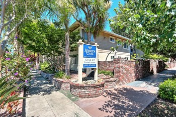 425, 435 Encinal Avenue Studio-2 Beds Apartment for Rent Photo Gallery 1