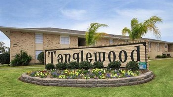 1300 Tanglewood Drive 1-3 Beds Apartment for Rent Photo Gallery 1
