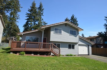 30020 43rd Place S 4 Beds House for Rent Photo Gallery 1