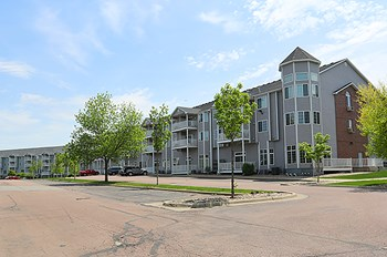 4902 S. Oxbow Avenue 1-2 Beds Apartment for Rent Photo Gallery 1