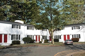 13441 Warwick Boulevard 1-2 Beds Apartment for Rent Photo Gallery 1