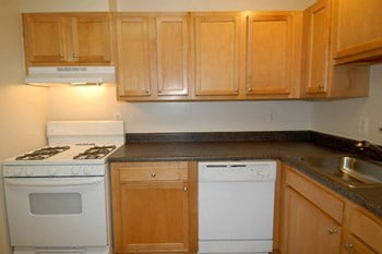 8800 Hunting Ln 1-3 Beds Apartment for Rent Photo Gallery 1