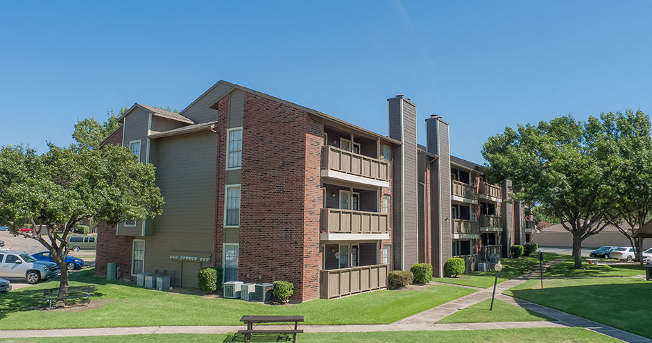 eagle crest apartments photo gallery 2 - 3 Bedroom Apartments Irving Tx