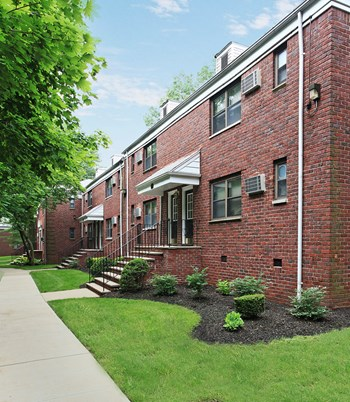 20 Terrace Avenue 1-2 Beds Apartment for Rent Photo Gallery 1