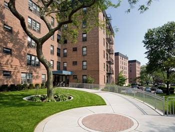 20-02 - 20-57 Seagirt Blvd Studio-3 Beds Apartment for Rent Photo Gallery 1