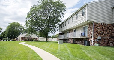 10100 Grand Plaza 2-3 Beds Apartment for Rent Photo Gallery 1